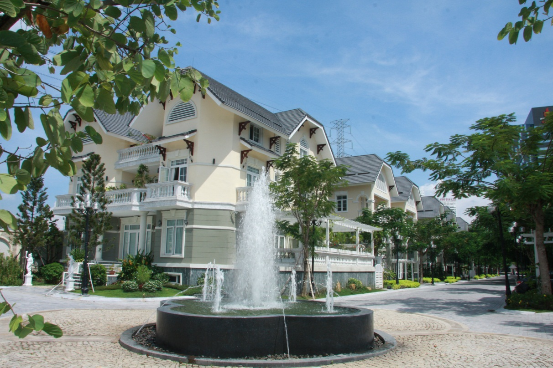 Maintenance In Villa Area Of Kim Long Villa Project